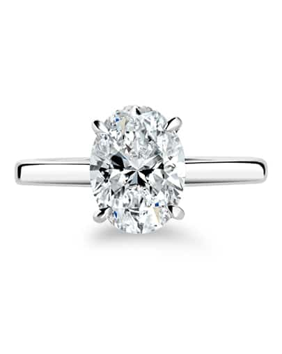 Vera Oval Diamond ring